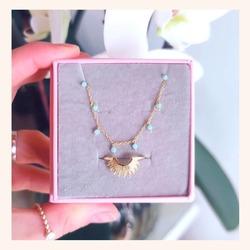 Muy Buenos días de Viernes 👋 hoy empezamos el día con ésta combinación que nos parece muy chula para regalar el día de la madre😍  Y RECORDAD QUE QUEDAN MUY POCOS DÍAS CON TODA LA WEB SIN IVA 🎉.   Feliz viernes 😘  www.quemonis.com  #quemonisjewelry #quemonis #jewelry #jewerlyblogger #joyasdeplata #joyas #regalosdíadelamadre #regalosmama #regalos #descuentos #rebajas #collares #pendientes #anillos