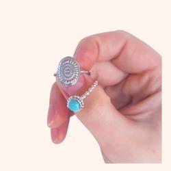 Elegante y vistosa❣️ así es ésta combinación de anillos que nos tiene In love total😍  Y AHORA CON TODA LA WEB CON UN 25% DE DESCUENTO 🎉  www.quemonis.com  #quemonisjewelry #quemonis #jewelry #jewerlyblogger #joyasdeplata #joyas #regalosmujeres #regalosmama #regalos #descuentos #rebajas #ofertas #anillosdeplata #anillos #complementos