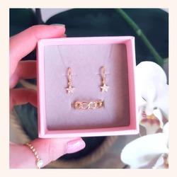 Combos que nos encantan. Para regalar o autoregalarte❣️  Y AHORA CON TODA LA WEB CON UN 20% DE DESCUENTO 🎉  www.quemonis.com  #quemonisjewelry #quemonis #jewelry #jewerlyblogger #joyasdeplata #joyas #pendientesoriginales #pendientesplata #pendientes #anillosdeplata #anillosplata925 #anillos #regalos