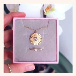 Combinaciones para tu día a día muy 🔝❤️  Y RECORDAD QUE QUEDAN MUY POCOS DÍAS CON TODA LA WEB SIN IVA 🎉  www.quemonis.com  #quemonisjewelry #quemonis #jewelry #jewerlyblogger #joyasdeplata #joyas #regalosmama #regalosdiadelamadre #regalos #collares #anillos