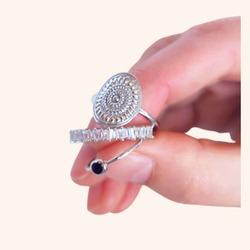Muy buenos días 👋 empezamos el martes con ésta combinación de anillos que nos tiene ❣️❣️  Y AHORA CON TODA LA WEB CON UN 20% DE DESCUENTO 🎉  Feliz martes 😘  www.quemonis.com  #quemonisjewelry #quemonis #jewelry #jewerlyblogger #joyasdeplata #joyas #regalo #regalos #regalosmama #regalosmujer #anillosdeplata #anillosmoda #anillos #descuentos #rebajas #ofertas