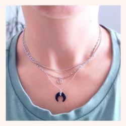 No me digáis que ésta combinación de collares no es una maravilla? 😍  Y AHORA CON TODA LA WEB CON UN 20% DE DESCUENTO 🎉  POCOS DÍAS 🥳  www.quemonis.com  #joyasdeplata #joyería #joyas #jewelry #jewerlyblogger #collar #collarplata