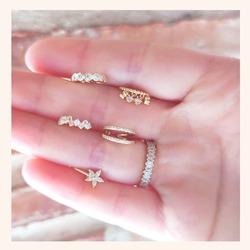 Los Ear Cuff son pendientes que no necesitan agujero. Aquí te dejamos algunos de los más vendidos ❤️  Y RECORDAD QUE TENÉIS TODA LA WEB CON UN 20% DE DESCUENTO 🎉  www.quemonis.com  #quemonisjewelry #quemonis #jewelry #jewerlyblogger #joyasdeplata #joyas #regalosmama #regalos #pendientesfalsos #pendientes #earcuff #descuentos #ofertas #rebajas