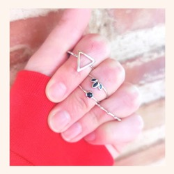 Combinaciones de anillos que son muy 🔝🔝  Y AHORA ÚLTIMAS HORAS CON TODA LA WEB CON UN 20% DE DESCUENTO 🎉  www.quemonis.com  #quemonisjewelry #quemonis #jewelry #jewerlyblogger #joyasdeplata #joyas #regalosmama #regalos #regalosmujer #anillosdeplata #anillos #descuentos #ofertas #rebajas