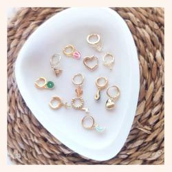 Sabrías quedarte sólo con uno?🤔  Nosotras noooo😅  Y AHORA TENÉIS TODA LA WEB CON UN 20% DE DESCUENTO 🎉  ÚLTIMOS DÍAS 🥳  www.quemonis.com  #joyasdeplata #joyas #jewelry #jewerlyblogger #pendienteplata #pendiente