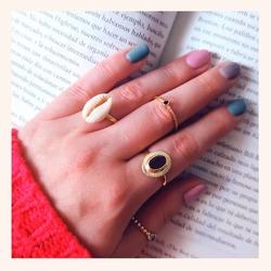 Qué os parece ésta combinación para terminar éste domingo??❣️  Y RECORDAD QUE QUEDAN MUY POCAS HORAS PARA QUE TERMINEN NUESTRAS REBAJAS.🎊  30% DE DESCUENTO EN TODA LA WEB. Hasta las 23:59h  www.quemonis.com  #quemonisanillos #quemonisjewelry #quemonis #jewelry #jewerlyblogger #anillosplata925 #anillosdeplata #anillos #regalos #joyasdeplata #joyas #rebajas #rebajas2021