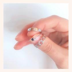 Infinidad de anillos para que los combines como quieras🥰  Y lo mejor de todo es que, TIENES TODA LA WEB CON UN 25% DE DESCUENTO 🎉  Feliz jueves 😘  www.quemonis.com  #quemonisjewelry #quemonis #jewelry #jewerlyblogger #joyasdeplata #joyas #regalosmujeres #regalos #regalosmama #complemento #anillosmoda #anillos #anillosplata