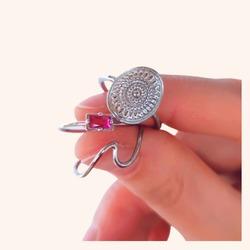 Anillos así de bonitos no necesitan nada más 🥰  Y AHORA CON TODA LA WEB CON UN 20% DE DESCUENTO 🎉  www.quemonis.com  #quemonisjewelry #quemonis #jewelry #jewelryblogger #joyasdeplata #joyas #regalosmama #regalos ##anillosdeplata #anillos #descuentos #ofertas #rebajas